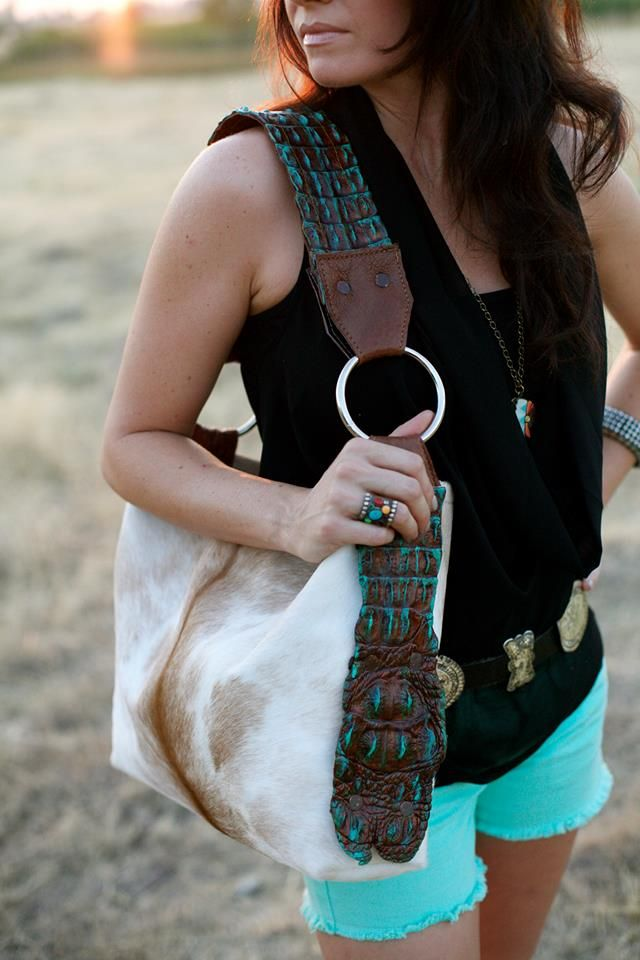 .love love that bag HOLY COW COUTURE -- someone please show Riley before my birthday!
