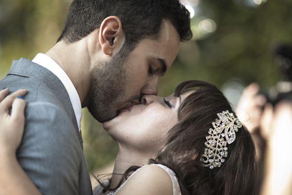 #Kiss #Wedding
