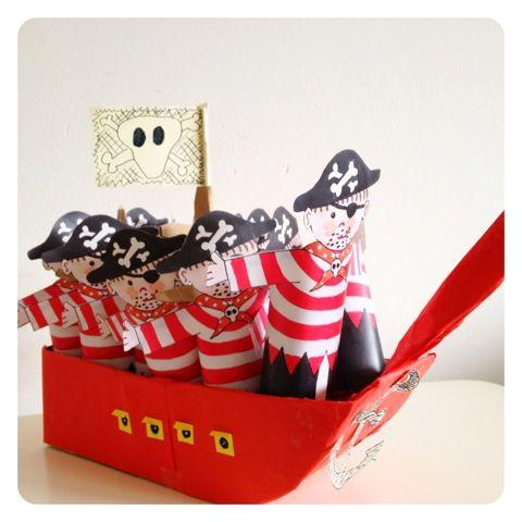 Kindertraktaties Piratenboot cakepins.com