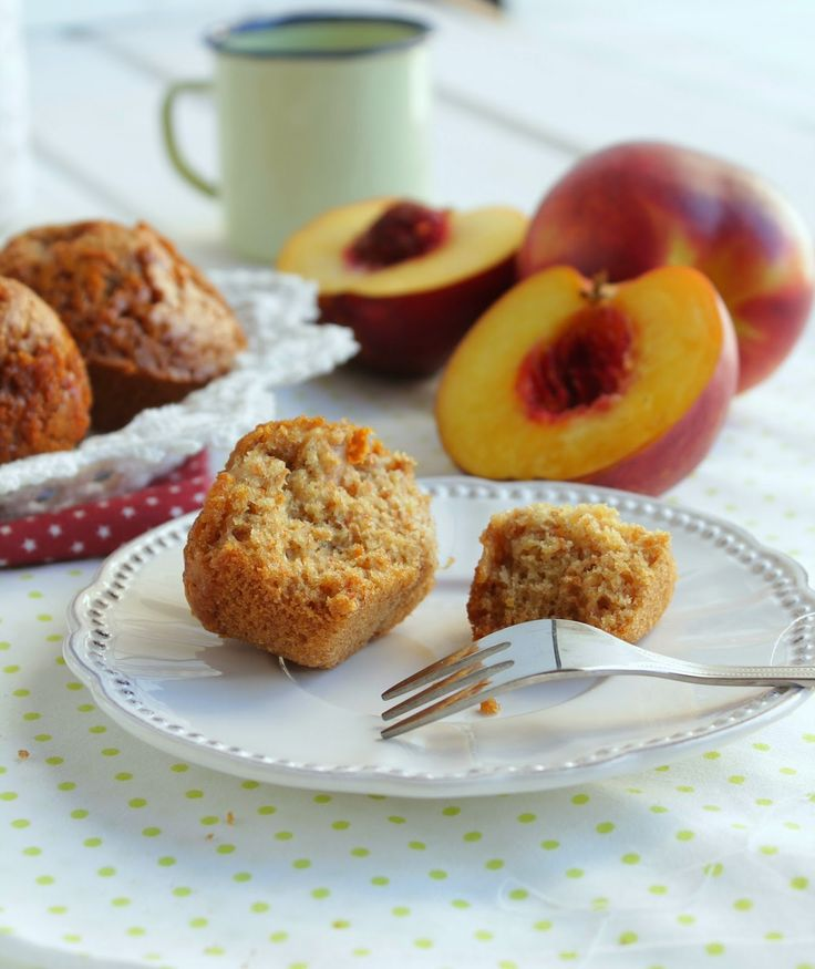 Nem acredito que é saudável!: Muffins integrais de Pêssego . Whole wheat peach muffins