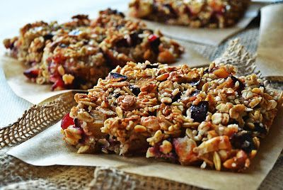 Cookies with plums and cashew nuts