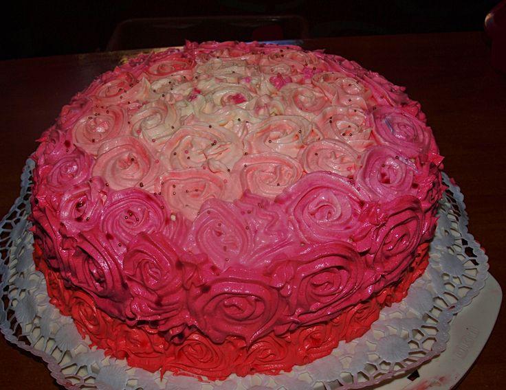Elegancki tort różany :)