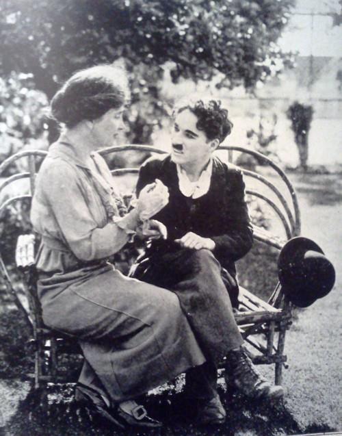 Helen Keller and Charlie Chaplin in Hollywood, 1919.
