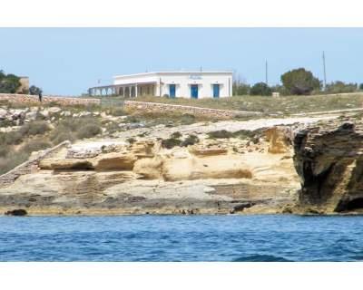 September in Sicily: # Favignana holidays locations € 450,00 for week