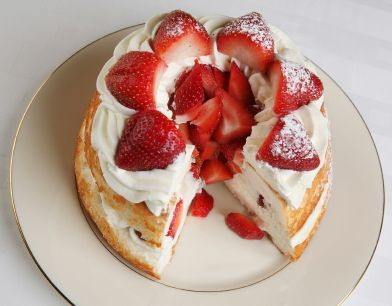 Enjoy a strawberry feast on a summer afternoon.You can make a variety of strawberry desserts drinks I am sharing one of my strawberry cake recipe with you....