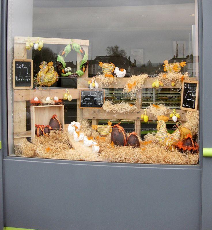 Les 25 meilleures id es de la cat gorie vitrines de magasin sur pinterest fen tre d 39 exposition - Decoration paques vitrine ...
