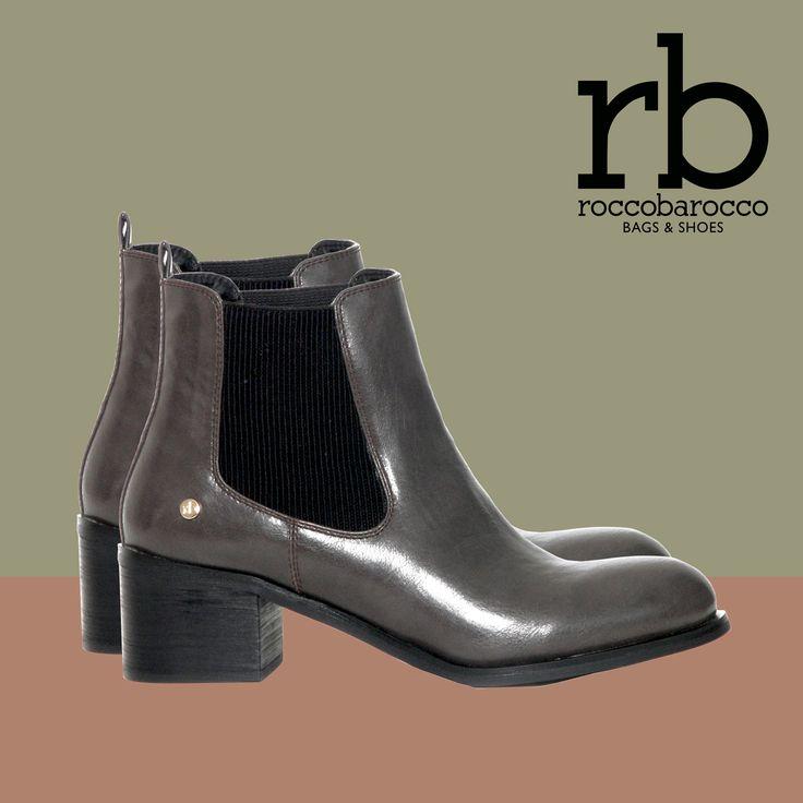 Eleganti e cool, Tube, gli #stivaletti modello beatles firmati rb by roccobarocco. Vieni a provarli nei negozi #Miriade. #rb #roccobarocco #stivalibeatles #trendy #musthave #shoes #boots #beatlesboot