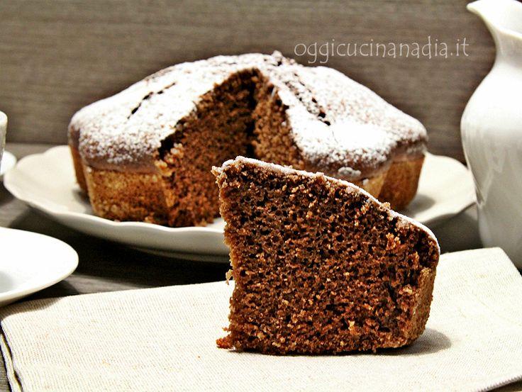 La ricetta di questa torta al cacao leggera l'ho trovata spesso in rete, è più famosa come torta all'acqua. Come torta all'acqua? Sì ... è una torta leggerissima ma molto gustosa, che non contiene uova…