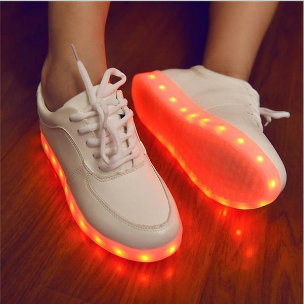 Chaussure blanche lumineuse led homme femme france for Baignoire lumineuse pas cher