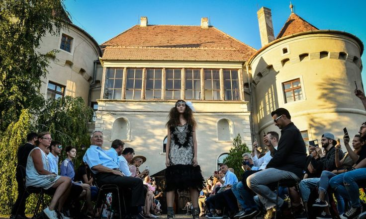 Debut de zece la Feeric Fashion Week – foto –