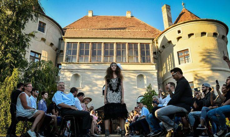 Debut de zece la Feeric Fashion Week – foto –