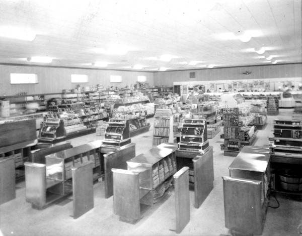 Inside the first Publix Super Market (1940). | Florida Memory