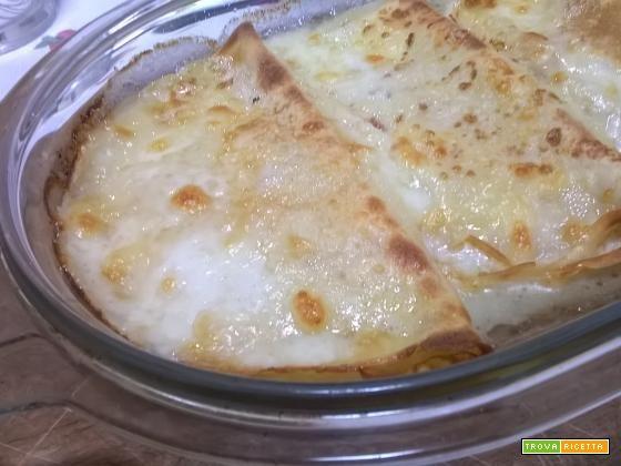 Crepes con prosciutto e mozzarella - Ricetta