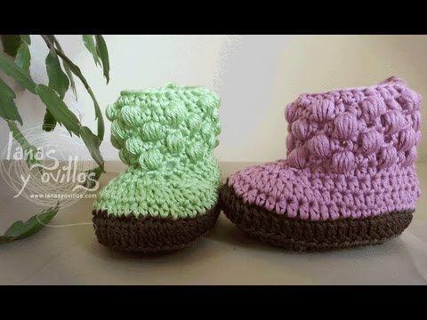 http://www.lanasyovillos.com Tutorial de cómo hacer unas sencillas botas a crochet para bebés paso a paso. Encuentra este patrón y muchos más en http://www.lanasyovillos.com