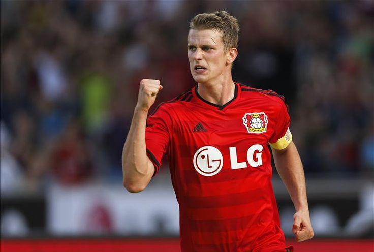 Dietmar Hamann believes Arsenal needs Lars Bender, not Ilkay Gundogan. http://www.squawka.com/news/dietmar-hamann-arsenal-need-lars-bender-not-borussia-dortmund-midfielder-ilkay-gundogan/276764 #afc #arsenal #soccer #football #epl