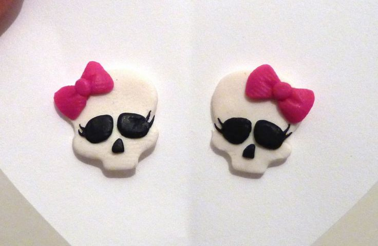 Orecchini teschio monster high in fimo fatti a mano - Monster High skull earrings in fimo polymer clay handmade