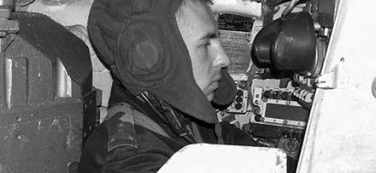 Президент присвоїв звання #ГеройУкраїни капітану Олександру Лавренку, командиру танкової роти танкового батальйону 93 окремої механізованої бригади (посмертно)