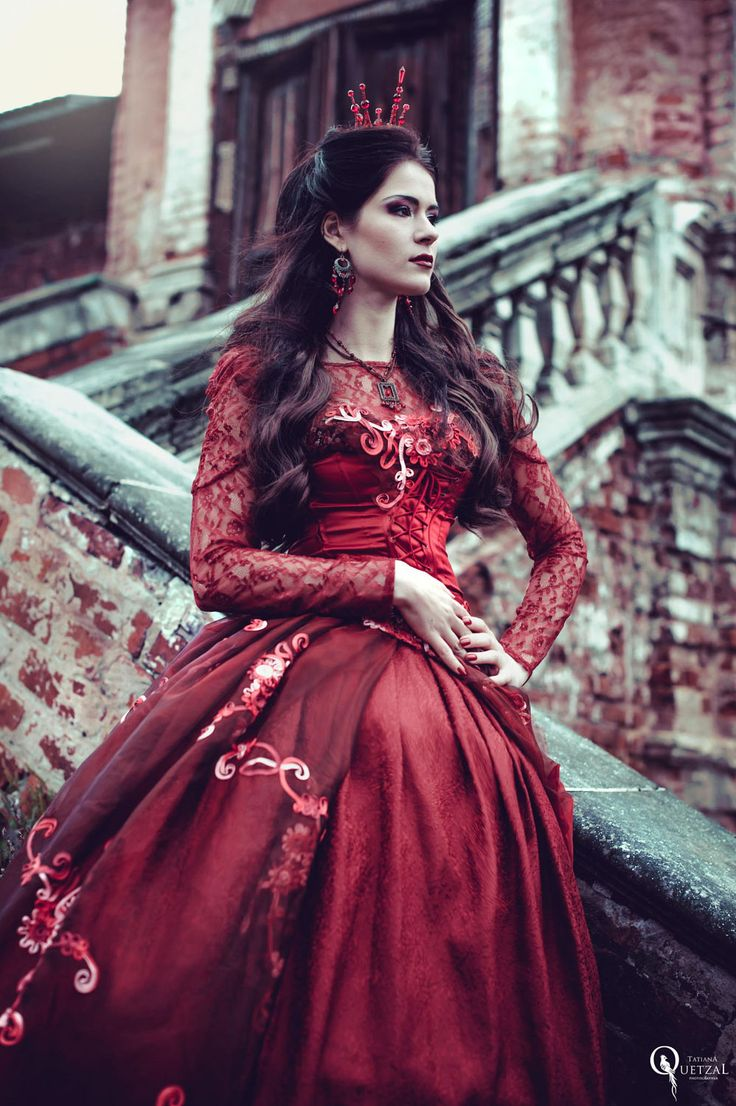 52 best images about inspiration queen of hearts on pinterest gothic evil queens and queen. Black Bedroom Furniture Sets. Home Design Ideas