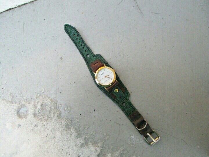 Браслет,ремешок для часовПродается с часами Casio.2000р.xoxa.79.79@mail.ru