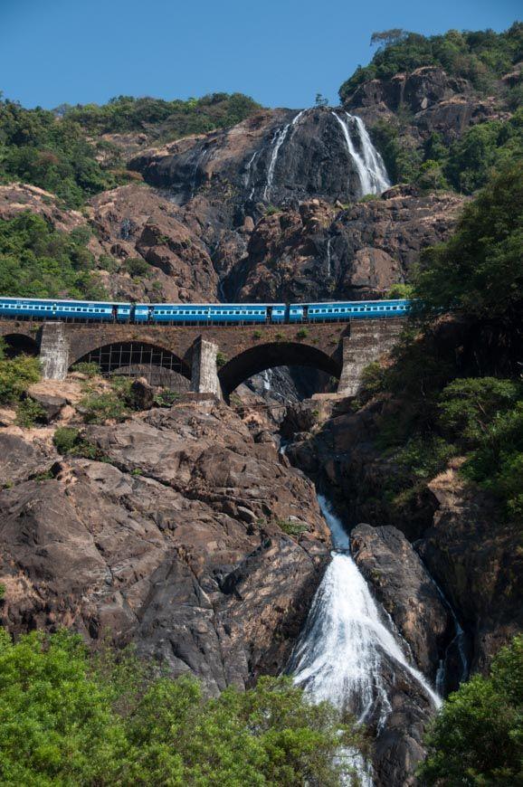 """Blog-Beitrag: Dudhsagar Wasserfälle: Das Herz des """"Chennai Express"""""""