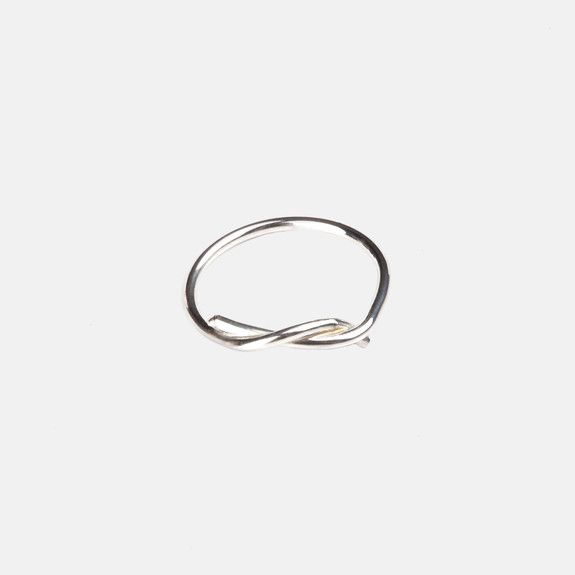Bennt - Twisty Knuckle Ring