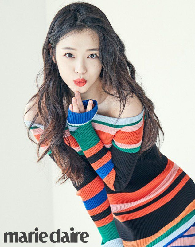 Check Out Sulli's Refreshing Natural Beauty with 'Marie Claire' | Koogle TV