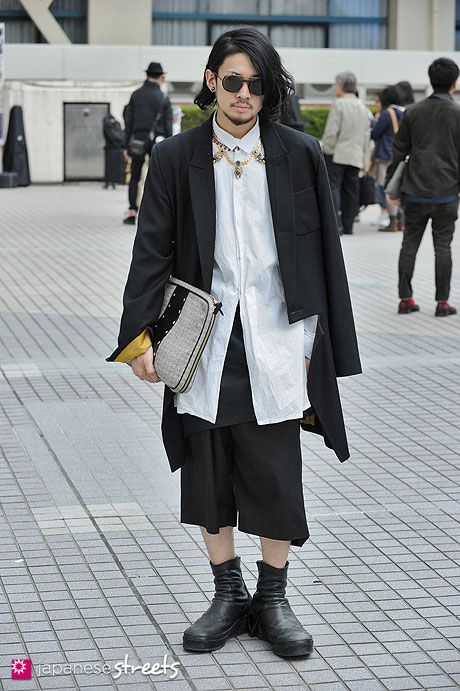 Harajuku street fashion | I love it when men dare to be different with their clothing: