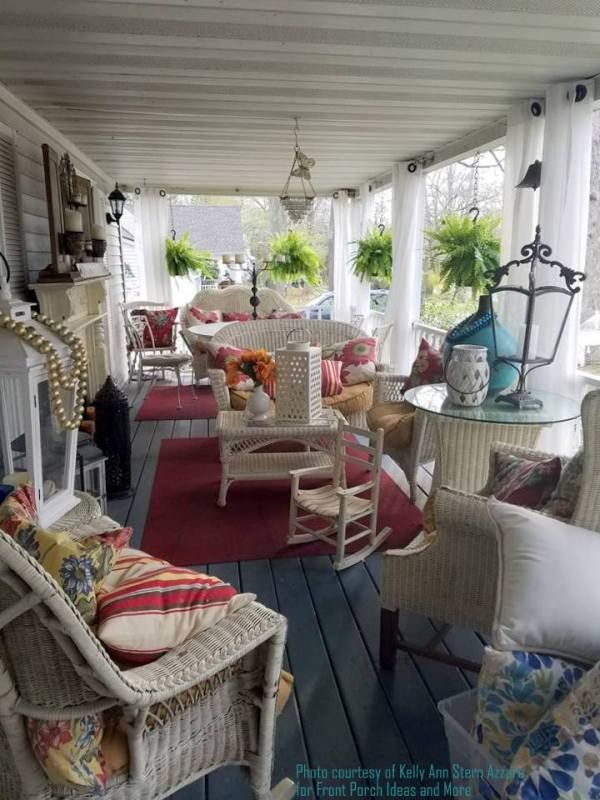 Kelly Annu0027s porch curtains add a delightful