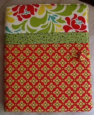 Notebook cover tutorial. This is so cute .. I'm thinking it would be perfect for my recipe binder I keep in the kitchen ... you could actually keep this out in view instead of tucked in the cupboard since it's so pretty looking! haha :o)
