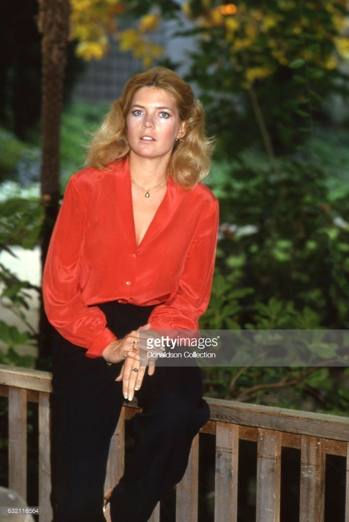 Actress Meredith Baxter-Birney poses for a portrait session at home in circa 1982 in Los Angeles, California .