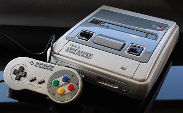 The Super Nintendo is back in a compact format and with 21 games already installed! . . . . #gaming#station#consol#retrogaming#emulation#geek#tech#Nintendo #Nes #NintendoClassic#SuperNintendo #Snes #Nintendo64 #GameBoy #GameCube #RetroGamer#videogames #retrogaming#gameboyadvance#switch#2dsxl#ps4#4k#gameboyadvance#3ds #new3ds #new3dsxl #2ds #luigi#nintendo3ds
