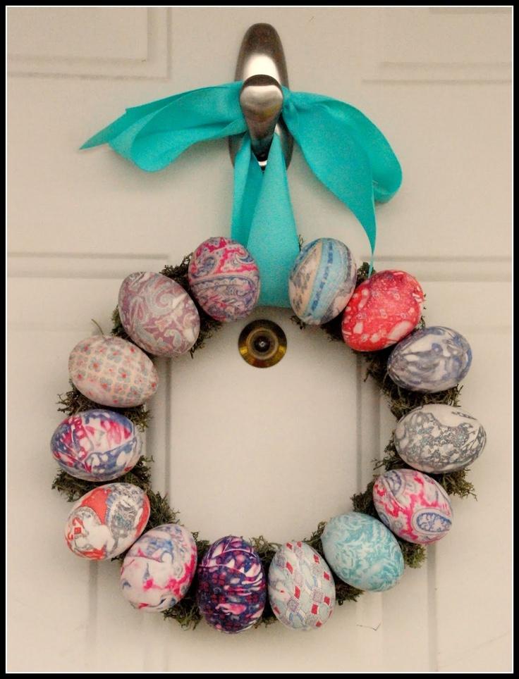 cute DIY easter egg wreath!