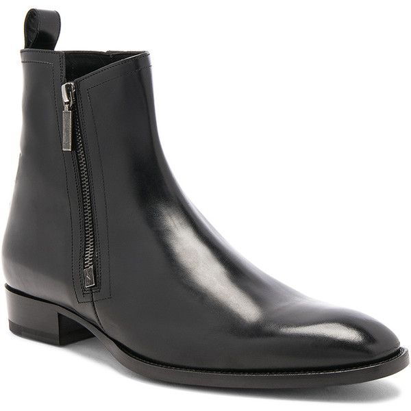 Saint Laurent Leather Wyatt Zip Boots ($1,055) ❤ liked on Polyvore featuring men's fashion, men's shoes, men's boots, boots, mens side zip boots, mens zipper shoes, mens leather shoes, mens side zipper boots and mens zipper boots