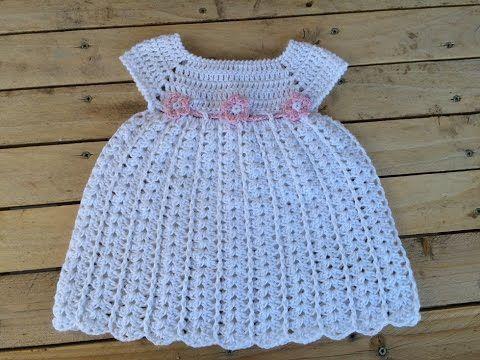 """Voici une jolie robe bébé de 0 à 3 mois , partagé par """" Lidia """" , trouvé sur le blog de """" Lidia Crochet Tricot """" , avec ses explications en Français , le tout en vidéo ! Robe bébé en coton de 0 à 3 mois  Je souhaite un bon crochet à toutes celles qui..."""