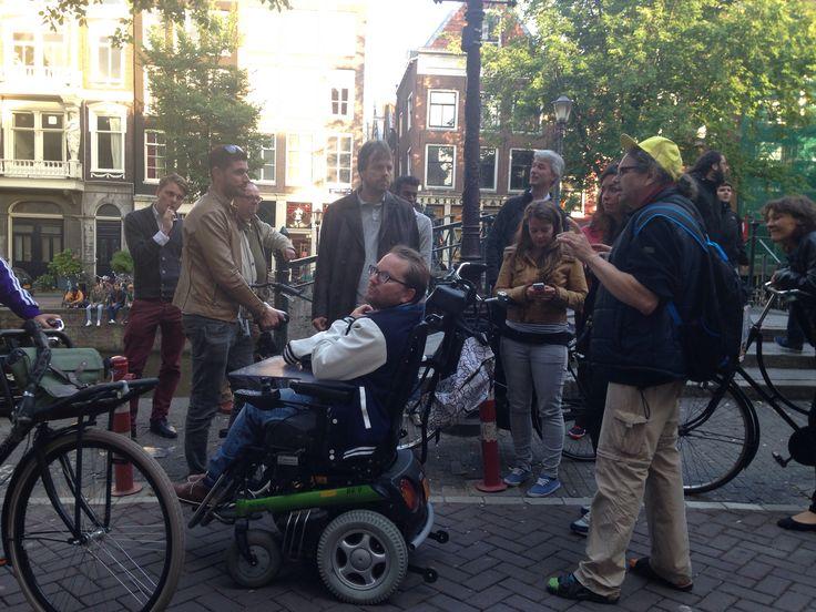 PGZO Bit met D66 21-8-2014 in Amsterdam centrum. Een wandeling in #020centrum om de toegankelijkheid en andere politieke issues aan de kaak te stellen. http://platformgehandicapten.jimdo.com/bit/