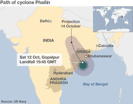 Indian disaster teams have begun a relief operation after Cyclone Phailin crashed into eastern areas, forcing up to one million people to flee.
