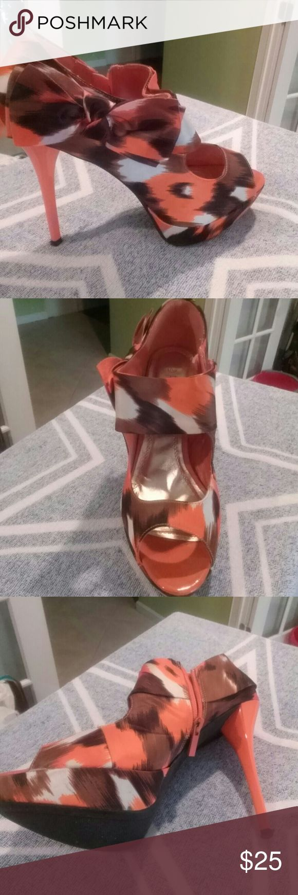 Shoes Two toned heels with peeptoe and zipper on side rouge Shoes Heels