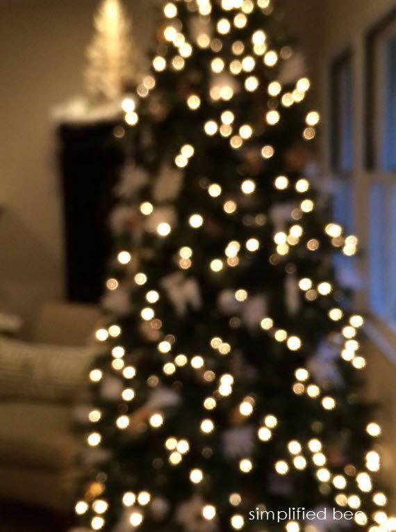 twinkle light christmas tree simplified bee holiday decorating ideas pinterest around. Black Bedroom Furniture Sets. Home Design Ideas