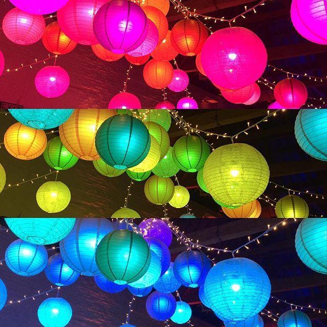 ❤️ #weddingday #uftoncourt #lanterns #colourful #throwback #disco (photo creds to @hannahgomm4)