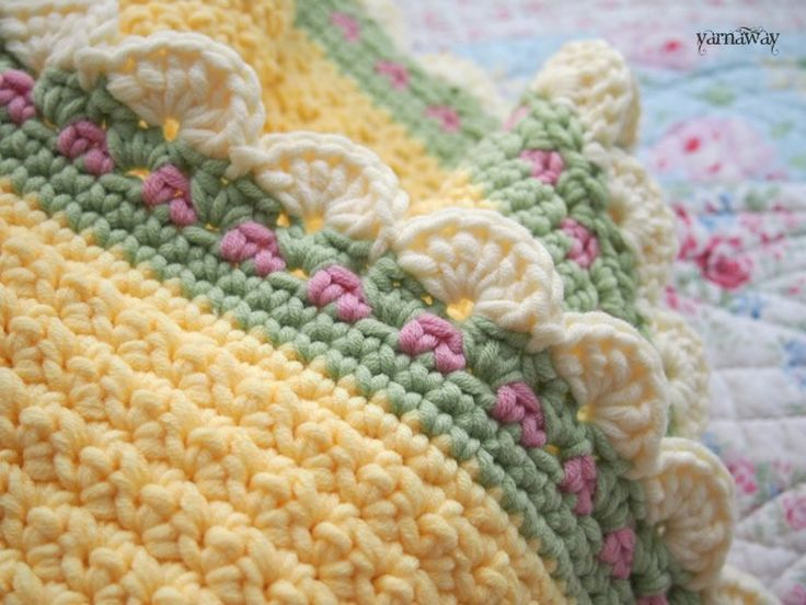 Pretty baby blanket - Amy shares where she found the patterns for blanket and borders