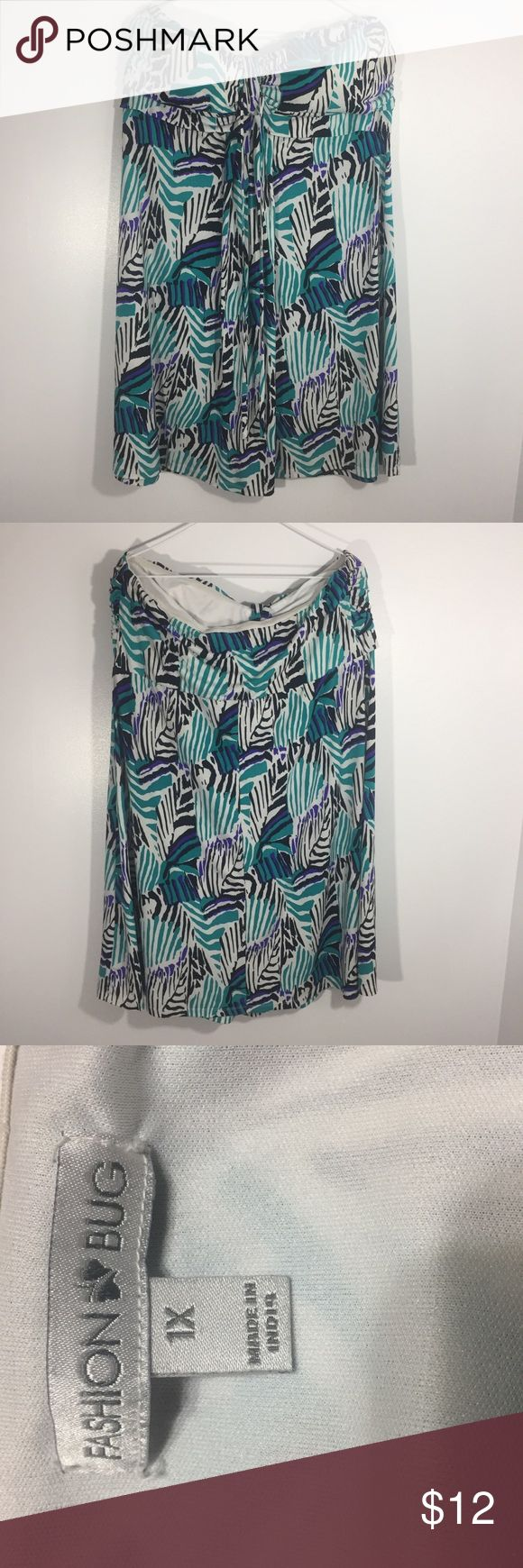 """Casual strapless Summer Dress Fashion Bug Blue Black and White Casual Strapless Summer Dress. Padded Bust.    Approx Measurement s taken laying flat and unstretched:  Bust: 34"""" Length 30""""  Preowned. No stains or holes. Fashion Bug Dresses Mini"""