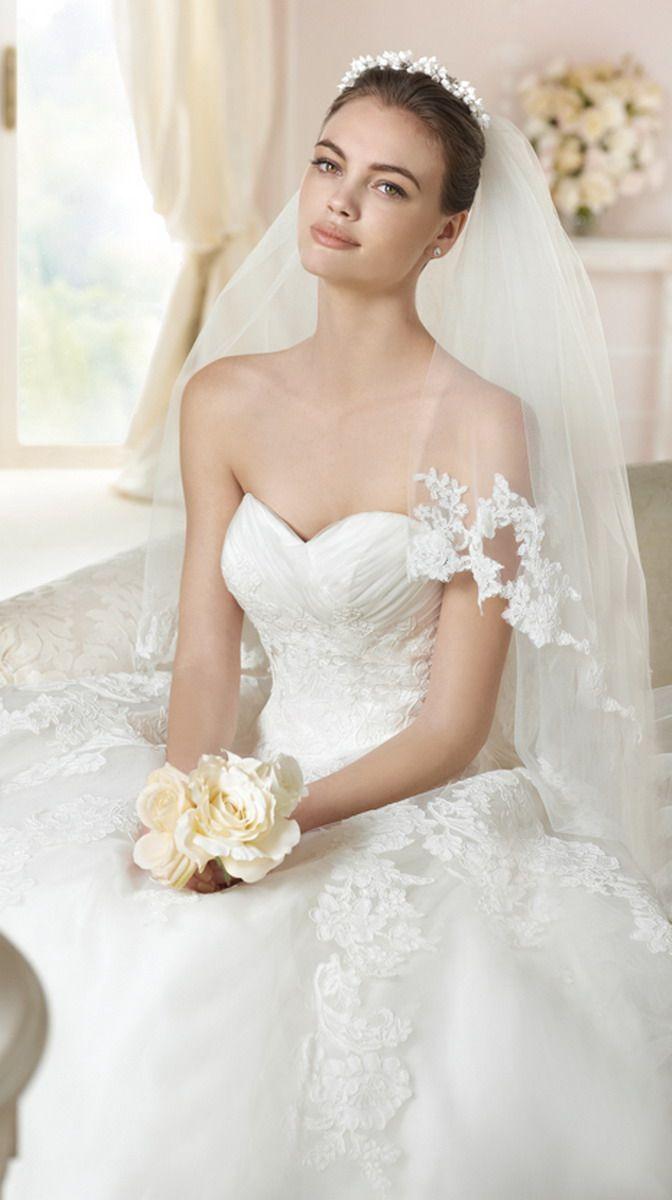 51 best Vestidos de novia con escote corazon images on Pinterest ...
