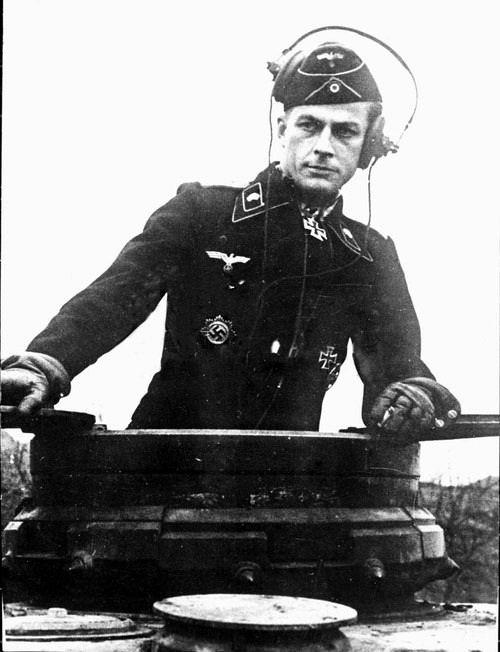 Oberstleutnant herbert gomille kommandeur ii panzer for Bureau commande