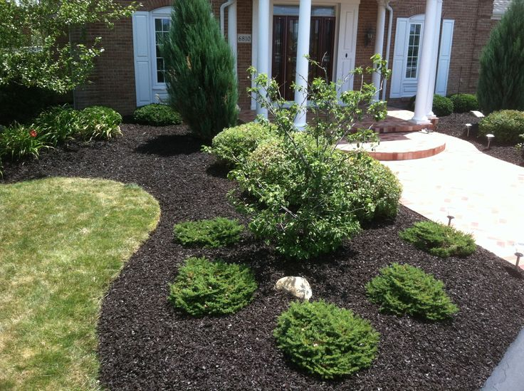 Landscaping With Mulch Pictures : Landscape company customers job in ohio brown rubber mulch