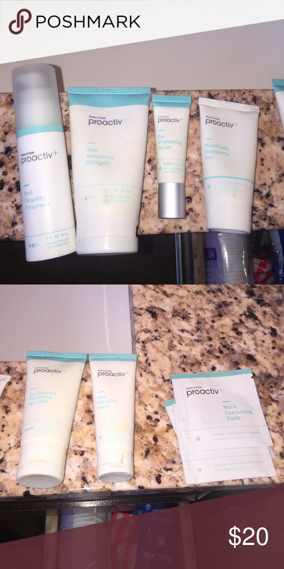 proactive acne clear set NEW Pro active acne clearing treatment brand-new. I have skin smoothing exfoliate her, pore targeting treatment, I brightening serum, blackhead dissolving gel, complexion perfecting hydrator, skin purifying mask, and three Mark correcting pads proactiv Makeup