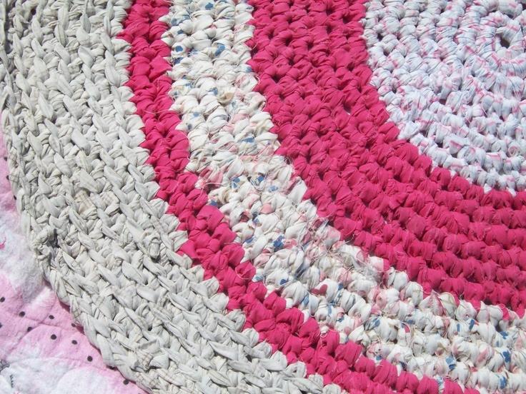 Crocheting Rag Rug Instructions : ... -Crochet Rugs on Pinterest Rag Rugs, Crochet Rugs and Rug Patterns