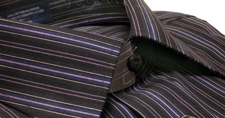 Como remover o amassado das camisas. Muitas ocasiões pedem uma camisa social, incluindo muitos locais de trabalho e funções profissionais. Uma camisa amassada transmite imediatamente uma aparência de sujeira, desleixo e falta de profissionalismo. Se você espera causar uma boa primeira impressão, então vai querer ter certeza de que sua camisa não está amassada. Existem muitas formas ...