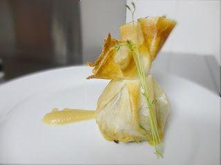 Saquitos de solomillo y foie con crema de pera y manzana
