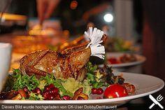 Gefüllte Wachtel auf Trüffelpüree an Granatapfel-Pfifferling-Salat