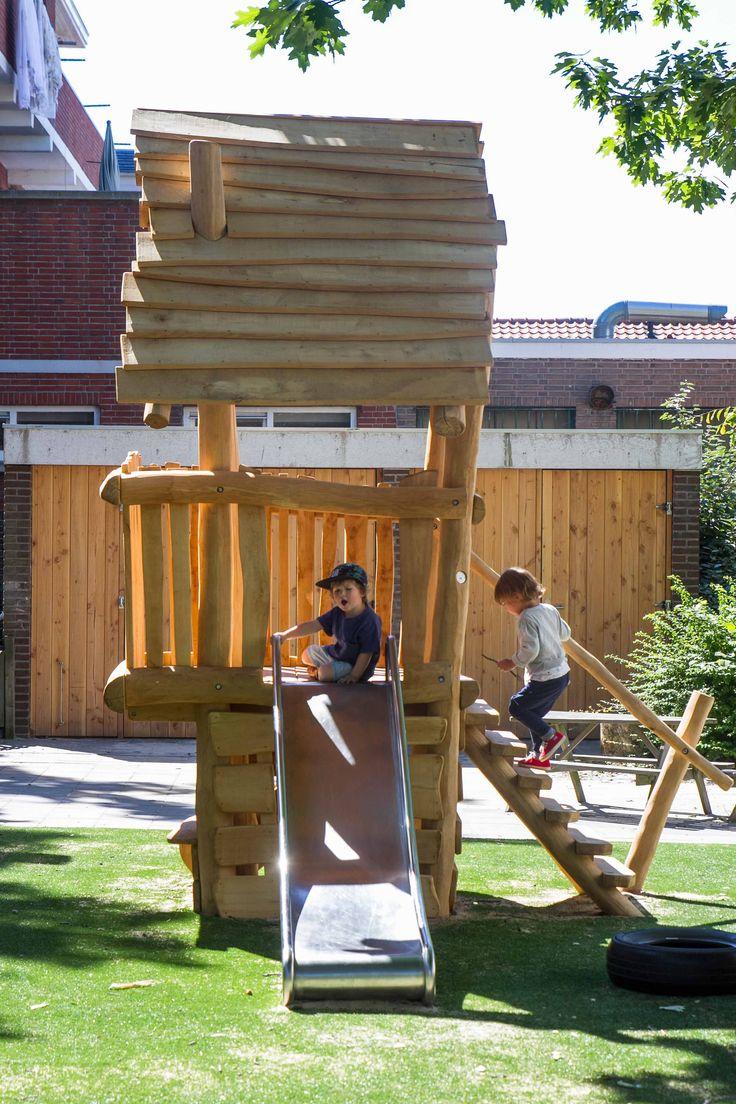 Speelhuisje in de tuin van kinderdagverblijf 2Zonnebloemen (Kinderopvang 2Samen)